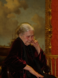 Doris Lessing resting her eyes, Wallace Collection 2007 (Victoria Hunt)